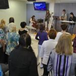 Shromáždění žen, Brno, Chvála.